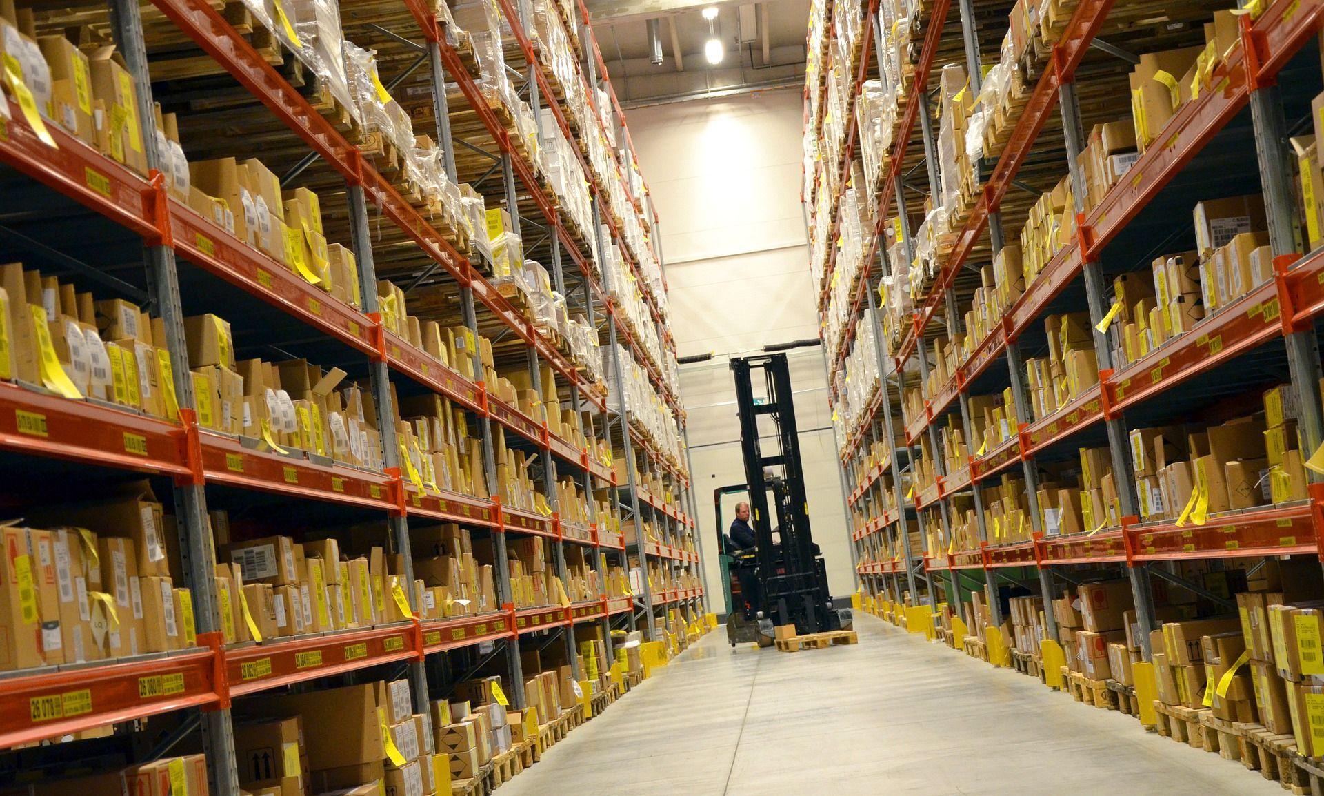 logistics-748152_1920